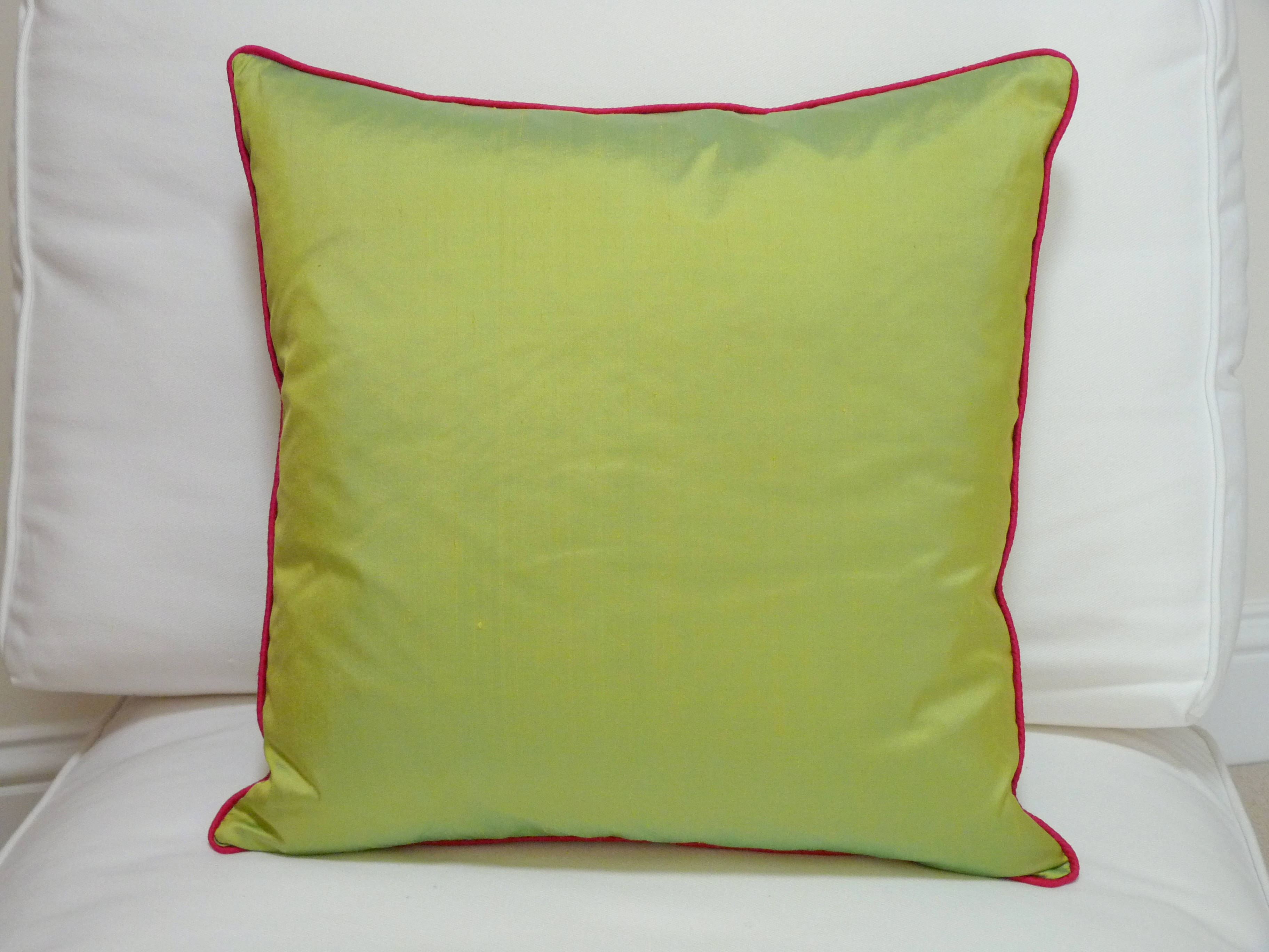 Boutique Contrast Piped Cushion Lime with cerise piping  : P1040302 0011 from www.vanessagrape.co.uk size 3648 x 2736 jpeg 3858kB